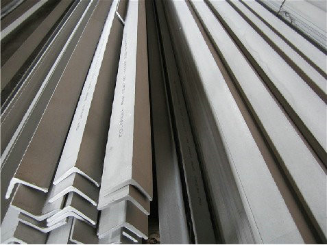 ASTM 304 Stainless Steel Angle Bars With Polished, Peeled Surface For Petroleum, Chemical Industry